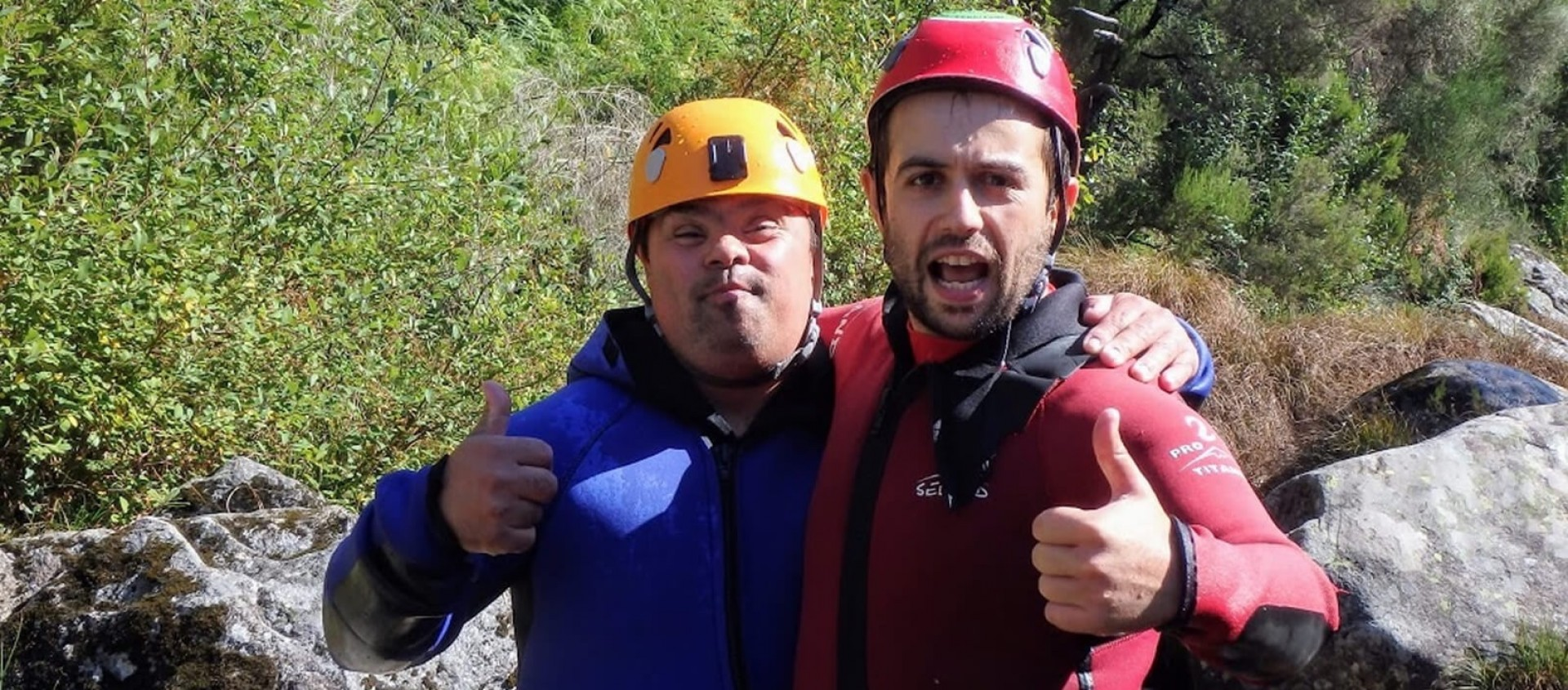 Hugging on Canyoning